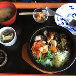 ダイニング興 - 牡蠣の石焼きご飯
