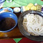 うどん小林  - 料理写真:もりうどん(550円)、朝採り野菜天ぷら(250円)_2016-01-31