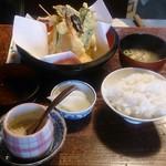 天久 - 天ぷら定食 1000円
