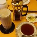 カフェ&レスト プライム - レモンティーとチョコレートシェイク