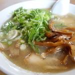 ラーメン道場 - ワンコインラーメン(麺、ネギ、メンマ、チャーシュー増量)