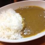 ニューダルニー - ビーフカレー(600円)
