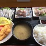 漁師食堂 - 自らチョイスした定食