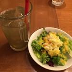 47011073 - サラダ、野菜ジュース