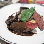 ブラッスリー ギョラン - ジビエ食べ比べ1:新潟産 ホシハジロ(手前)・岩手産カルガモ  (右)