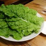 炭火焼肉ホルモン いこら - ☆チシャ菜(^_-)-☆