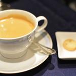フレンチレストラン セラン - コーヒーと小菓子
