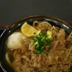 めんや七福 - 肉ぶっかけ〈温〉550円