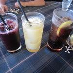 パスタクラブフェローズ - ドリンク写真:ドリンクはジュースとコーラーの3種類