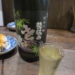 六軒町炭火やきとり もとはし - 琵琶のさざ浪。埼玉・毛呂山のお酒。これが予想以上によかった。
