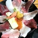 47027510 - 2016/2/1 - 海鮮丼@1,000円