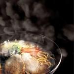 カラオケUNO - 料理写真:アツアツ☆本格派のラーメン!