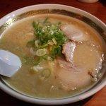 4704652 - 豚骨醤油ラーメン(580円)