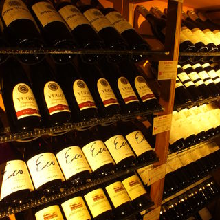 こだわりのワインは380円~