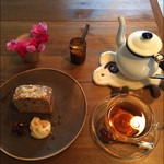 シボネボルケ - どんぐりケーキと林のお茶