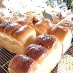 山のパン屋 ダディーズ・ベーカリー - 湯だねで作った食パン もちもちです