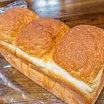 パン工房 七人姉妹 - 食パン(580円)