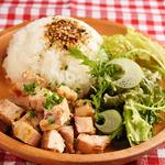 手づかみシーフード Makky's The Boiling Shrimp - チキンポキプレート