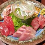 47052977 - 本日の旬魚三種盛り