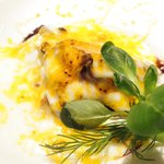47055991 - ランチコース 2000円 の牡蠣のソテー ポルト酒風味 ミモレットチーズグラタン