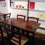 アンプール - テーブル席