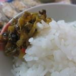 東和ラーメン - 辛し高菜とライス