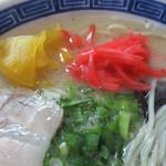 東和ラーメン - つぼ漬け&紅生姜