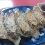 東和ラーメン - セットの餃子