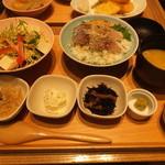 まま魚 - 胡麻鯖丼