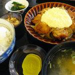 たや - 料理写真:タルタルザンギ定食1000円