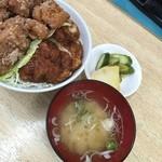 チャボ食堂 - 味噌汁とおしんこ付き