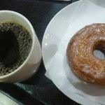 47068130 - ドリップコーヒー(S)、シュガードーナツ
