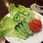 お好み焼ばあびい - 野菜サラダ ハーフ 380円