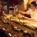 みなと寿司 - 隣同士だから、デートでも使えます!