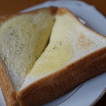食堂ぬーじボンボンZ - セットのごはんはガーリックトーストにも変更可能