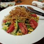 KYODO DININGず~とろ - 普通~のサラダ