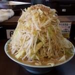 47075018 - 201601中ラーメン(麺300g)\750(ヤサイマシ・ニンニクなし・アブラマシ)