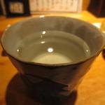 47075073 - 米焼酎 天草のお湯割り 450円(2016.1)