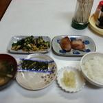 岡田屋 - おかず2品+めし小+味噌汁
