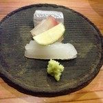 やまさん - 細魚、真鯛昆布締め、槍烏賊 塩柑橘で頂きました~ お酒が進みます~