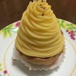 ドゥ・スイーツ - 徳島産なると金時モンブラン(420円+TAX)