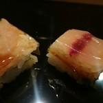 47082821 - これが箱寿司  鯵
