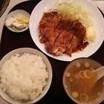 彩門 - チキンステーキ定食 680円税別