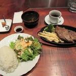 trattoria SATOMI fooding - 焦し醤油ステーキ鉄板焼き