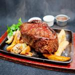 手づかみシーフード Makky's The Boiling Shrimp - 迫力満点!1パウンド(約450g)のアンガス牛ステーキ