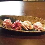 豆一 - 朝引き鶏塩焼き4種盛合わせ 780円