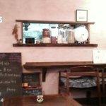 万巽 - 小窓の奥がキッチン