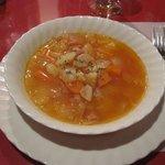 あその時計台 - 料理写真:最初の野菜のスープ。勿論泊りなんで乾杯はビール。