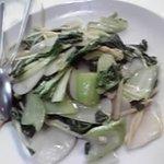 源来軒 - 餅と青菜の炒め