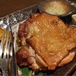 屋根裏ダイニング GOZARU - 若鶏のグリル特製ハーブ岩塩